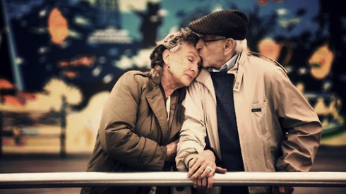 sweet-elderly-couple